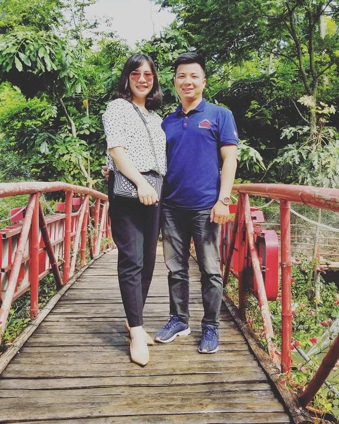 Love bridge in Mo Ma stream tourist area