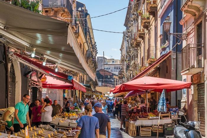 Chợ Piazza Carlo Alberto -  Du lịch Catania