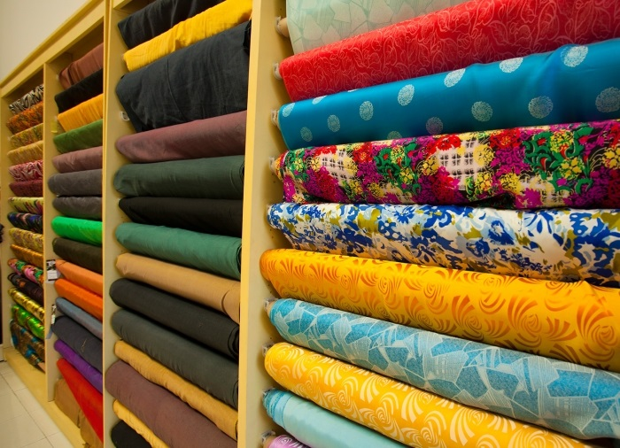 Buy gifts when traveling to Vung Tau - silk