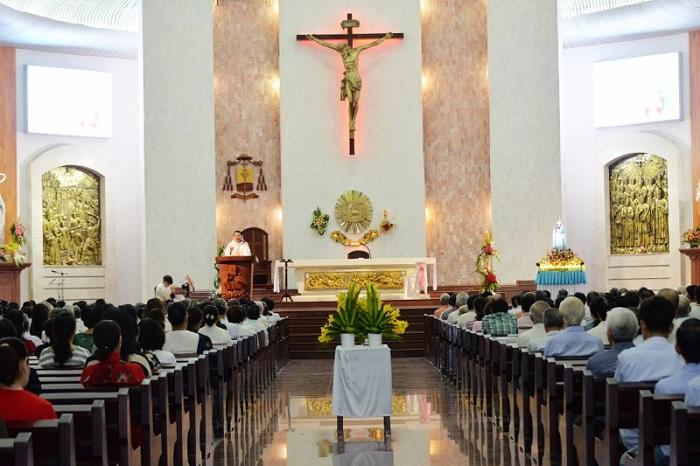 Church in Vung Tau - Vung Tau Lighthouse Church Holy Mass