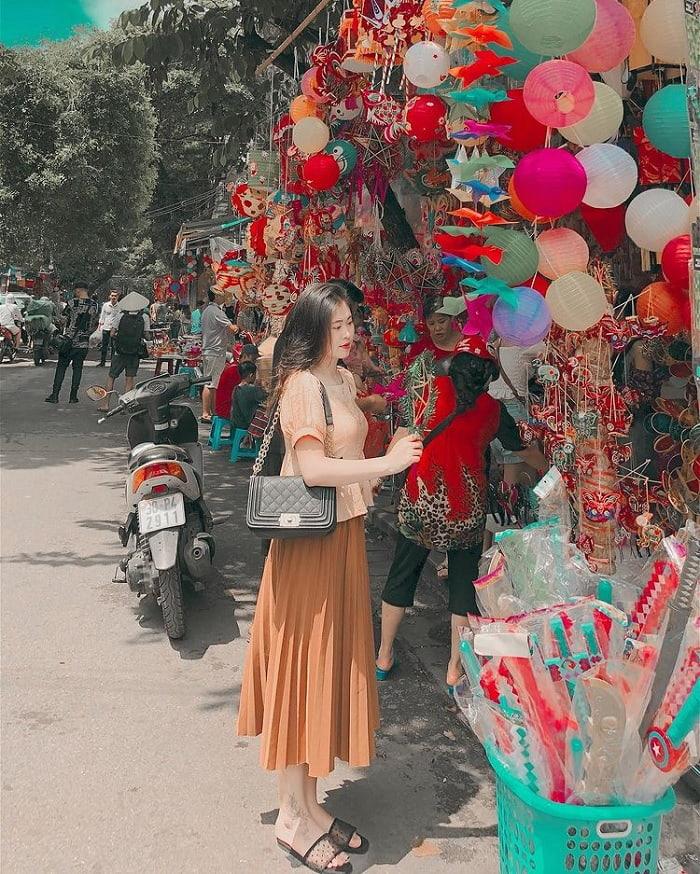 phố hàng Mã - điểm ngắm mùa thu Hà Nội lãng mạn như phim