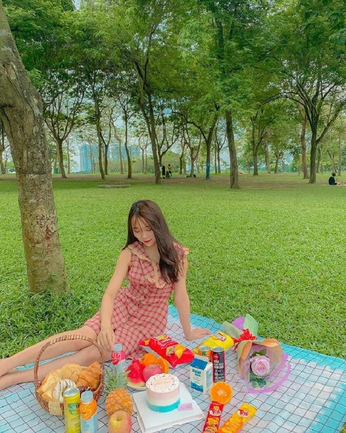 công viên Yên Sở - địa điểm picnic ở Hà Nội nổi tiếng