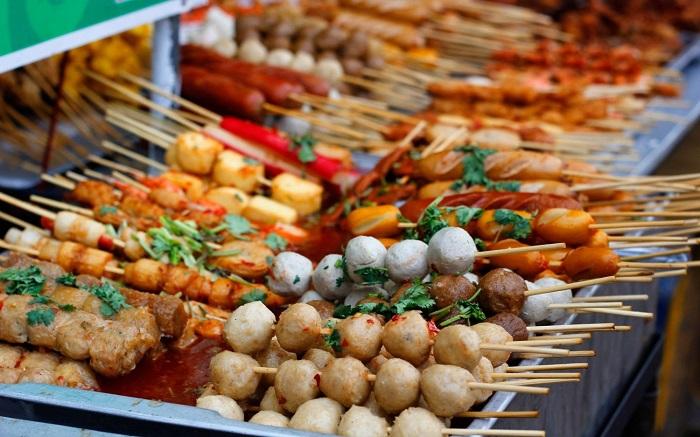 Những quán ăn vặt đường 30/4 Phú Quốc - Xiên que - nướng cay