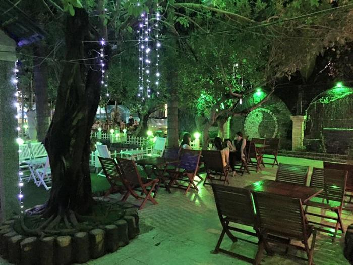 Beautiful cafes in Ca Mau - Huynh Huong Café