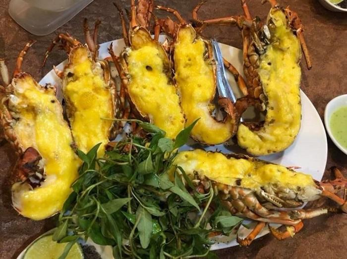 Delicious seafood restaurants in Tay Ninh - 8 Ro seafood menu