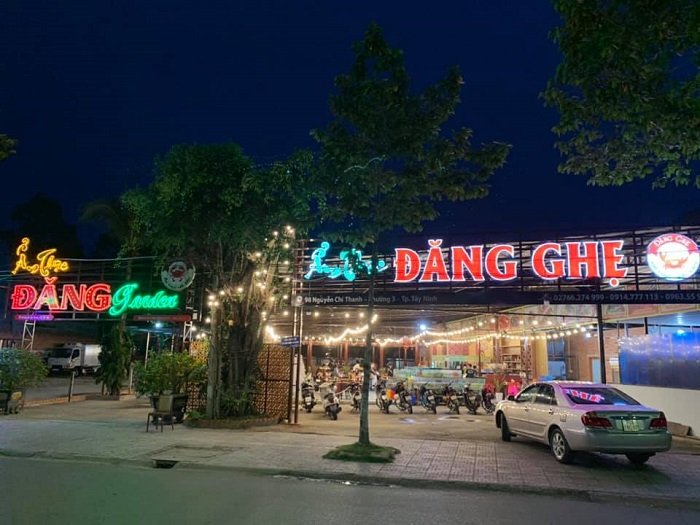 Delicious seafood restaurants in Tay Ninh - Dang Ghe Cuisine