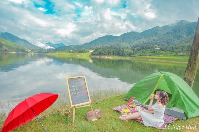 Cắm trại ở hồ Séo Mý Tỷ Sapa