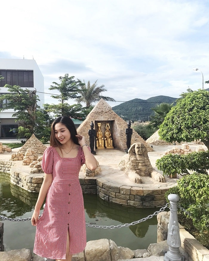 The pyramid works in the park of world wonders in Da Nang