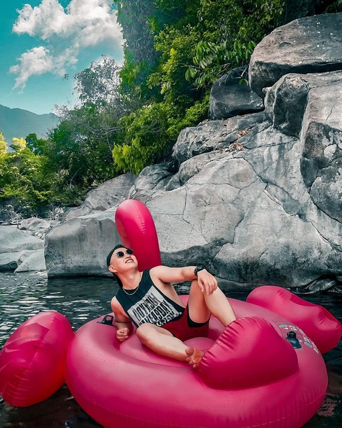 Experience traveling to Tien Hue stream