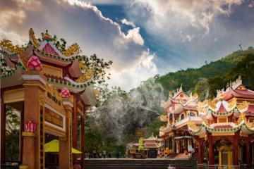Những địa điểm du lịch tâm linh ở Tây Ninh nổi tiếng và hút khách nhất