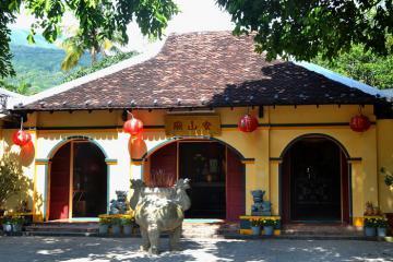 Miếu Bà Phi Yến ở Côn Đảo - địa điểm linh thiêng và cầu duyên nổi tiếng