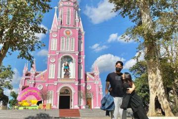 Nhà thờ màu hồng ở Nghệ An - khối kiến trúc ngọt ngào sống ảo nghìn like