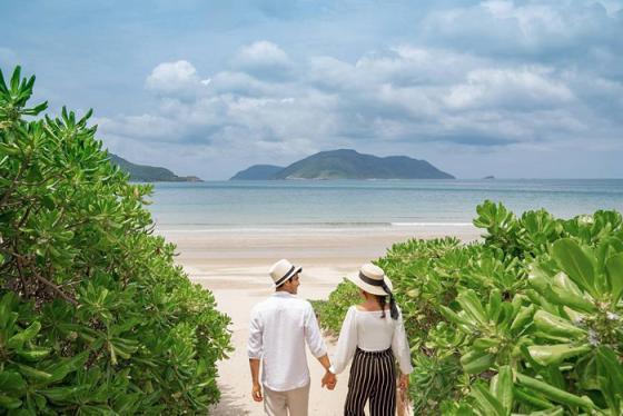 Du lịch bãi biển Đất Dốc Côn Đảo khám phá thiên đường biển xinh đẹp và quyến rũ