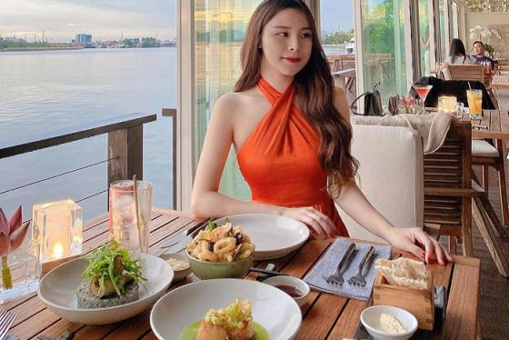 Review top 6 nhà hàng view sông ở Sài Gòn cực lãng mạn và giá đồ ăn siêu hợp lý