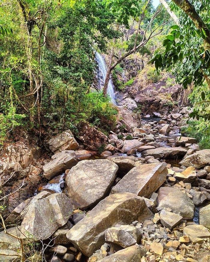 Journey to conquer Ta Gu waterfall Khanh Hoa