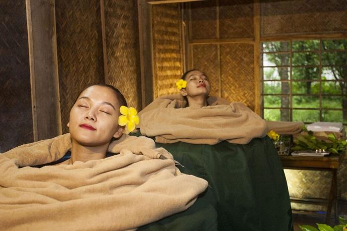 Xông hơi bằng thảo mộc ở Chày LậpFarmstay Quảng Bình