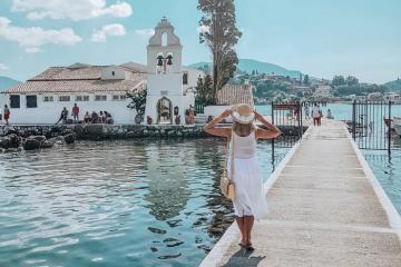 Hướng dẫn du lịch hòn đảo huyền thoại Corfu