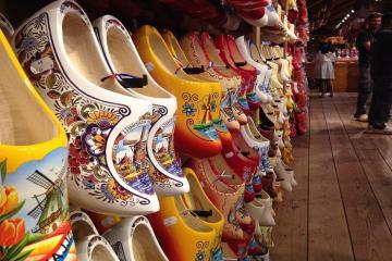 List ngay những món đồ bạn có thể mua về làm quà khi đi du lịch Hà Lan?