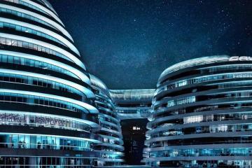 """Choáng ngợp trước kiến trúc khổng lồ """"hình xoắn ốc"""" gây bão ở Trung Quốc"""