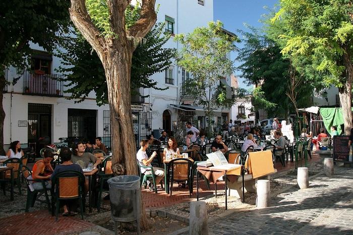 Phố Albaicín là một trong  những khu phố thú vị ở Granada