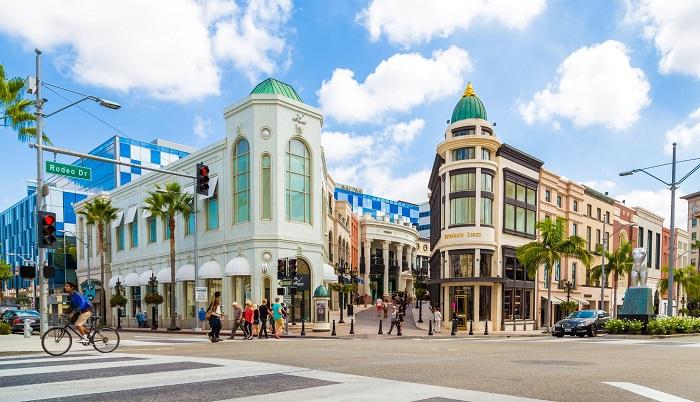 Phố Rodeo Drive - địa điểm mua sắm ở Los Angeles nổi tiếng