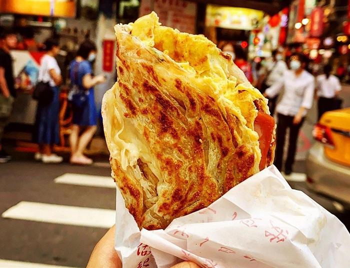 bánh hành lá Thiên Tân - món ăn không thể bỏ qua tại phố ẩm thực Yongkang