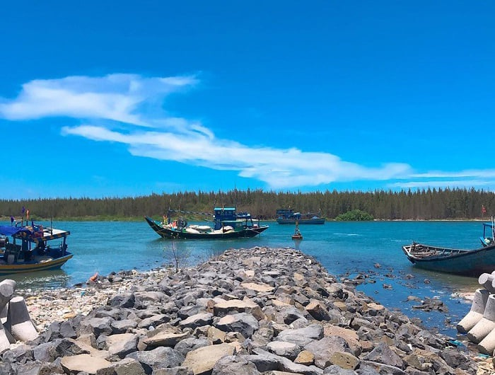 boat trip - interesting activities at Loc An Vung Tau beach