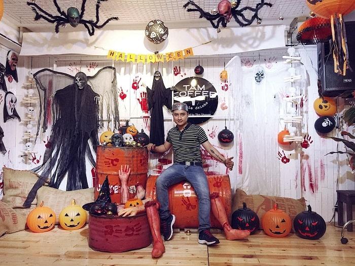 Tâm Coffee - quán cà phê trang trí halloween ở Sài Gòn