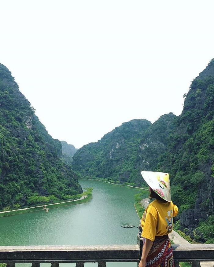 Nhắc đến điểm du lịch Ninh Bình không được bỏ qua động Am Tiên