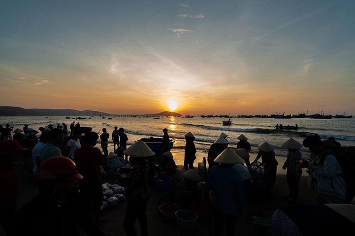 chợ ven biển - địa chỉ mua hải sản ở Đà Nẵng siêu rẻ