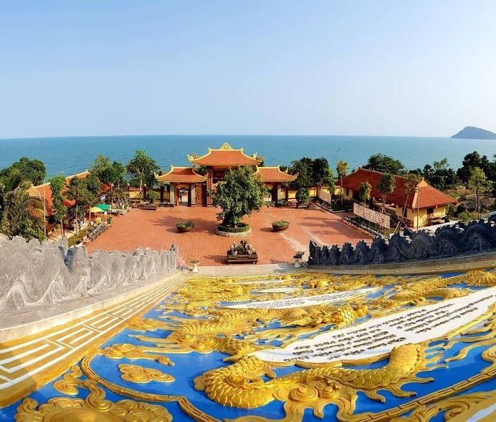 chùa Hộ Quốc ở Phú Quốc  - điểm tham quan nổi tiếng