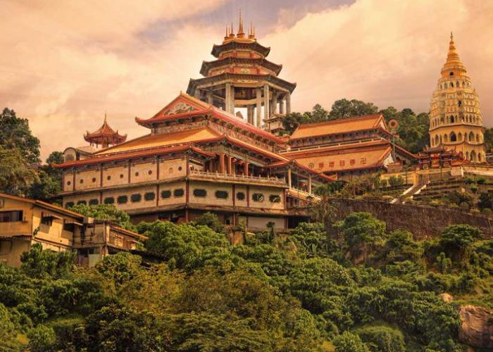 Ghé thăm chùa Kek Lok Si – ngôi chùa lớn nhất của Malaysia