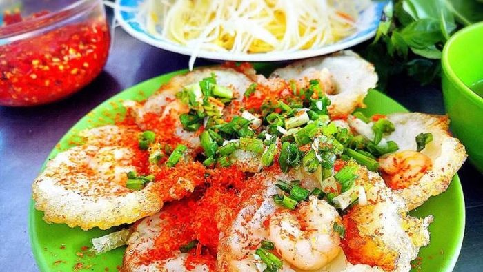 Tu Xuong - one of the famous Vung Tau snack streets