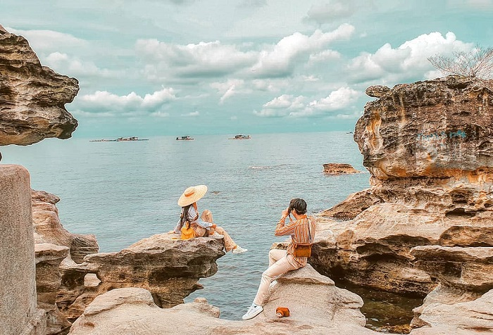 Beautiful place to take pictures in Phu Quoc - Dinh Cau cape