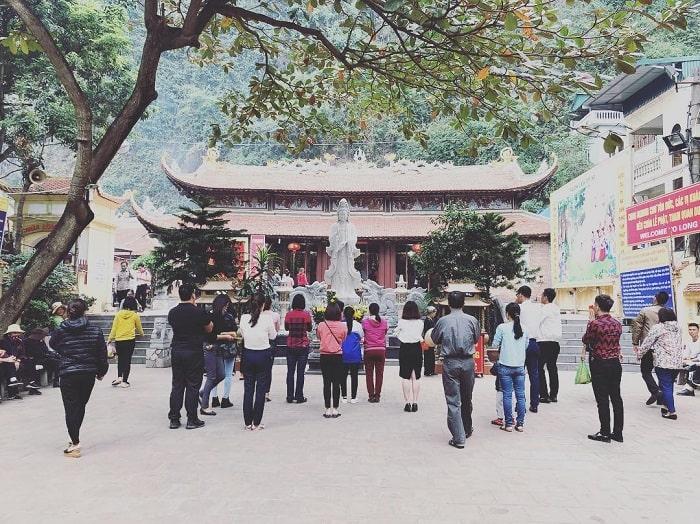 Địa điểm du lịch tâm linh ở Quảng Ninh - chùa Long Tiên