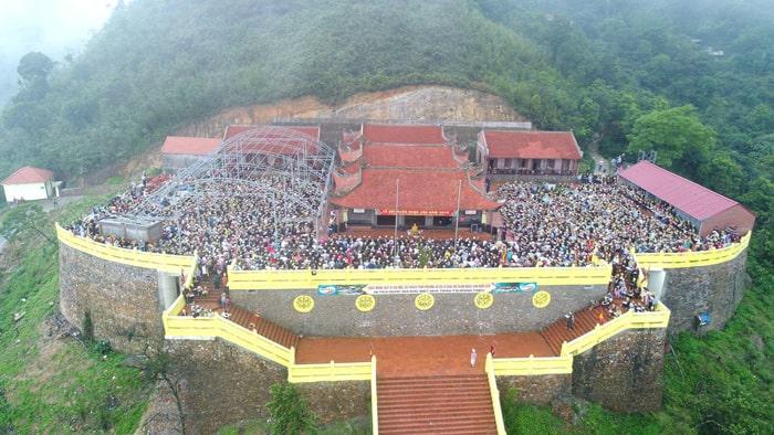 Địa điểm du lịch tâm linh ở Quảng Ninh - chùa Ngọa Vân