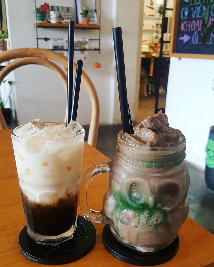 Nhắc đến các quán cà phê trang trí Halloween ở Sài Gòn thì đừng quên Sài Gòn Ơi