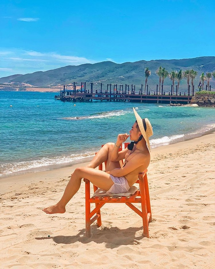 Sunbathing in the sandy beaches of Hon Tam Nha Trang