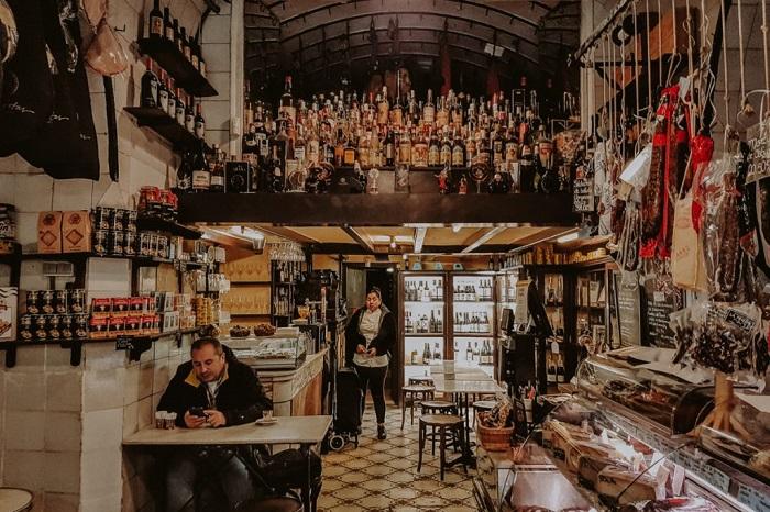Một nhà hàng trong danh sách điểm đến tour ẩm thực Barcelona