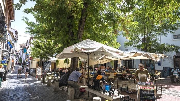 Khu phố La Chana một trong những khu phố thú vị ở Granada