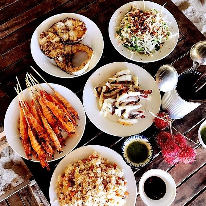 Binh Lap island seafood is delicious and attractive