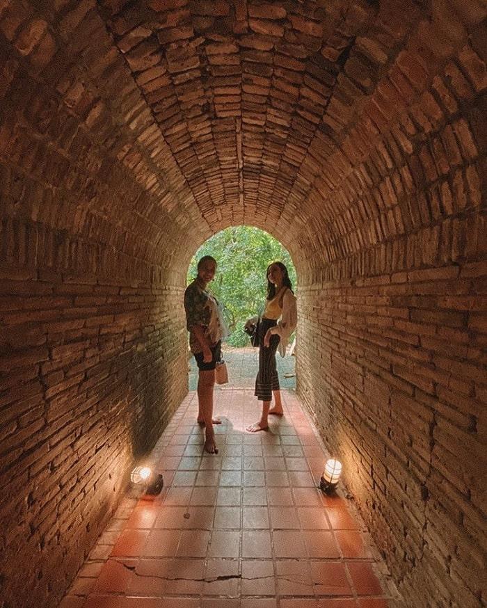 hang đá - công trình độc đáo của đền Wat Umong