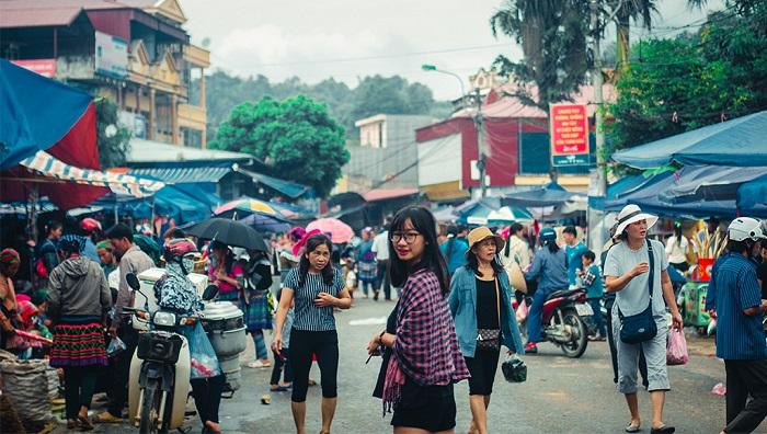 Search for Bac Ha fair market address