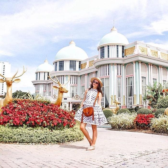 The architecture of Thailand's billionaire castle