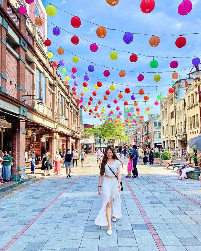 khu phố Dihua - điểm đến ấn tượng gần đền Hà Hải Đài Bắc