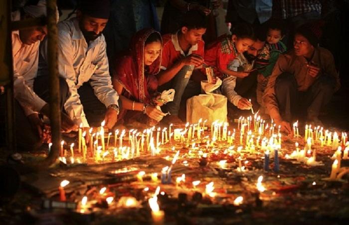 Lễ hội lớn ở Ấn Độ- Lễ hội Ánh Sáng