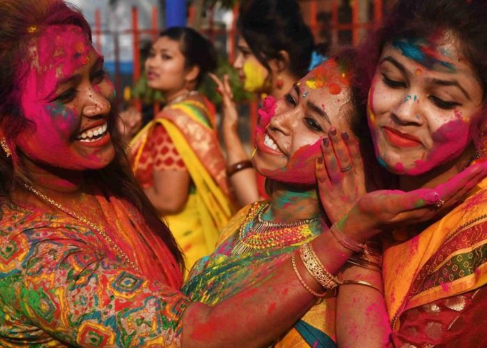 Lễ hội lớn ở Ấn Độ- Lễ hội màu sắc Holi