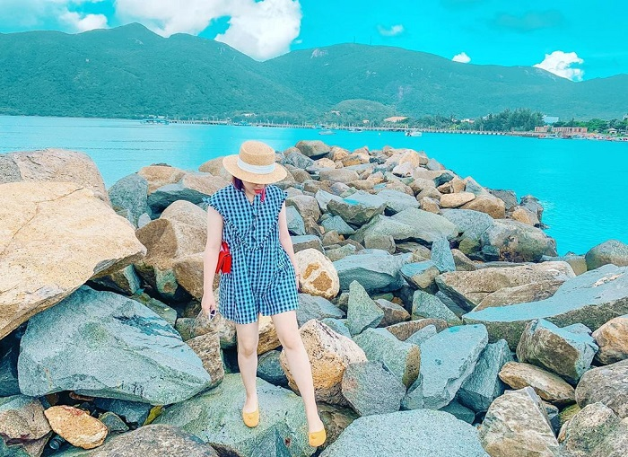 What to wear when going to Con Dao - cool clothes plus hats