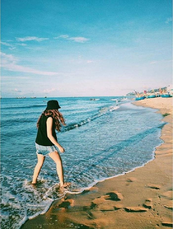 chơi đùa với sóng - hoạt động thú vị tại biển Phước Hải Vũng Tàu
