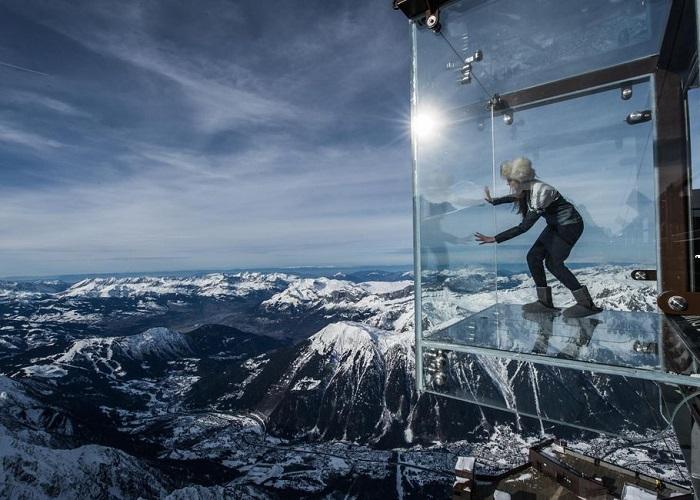 'Tim đập chân run' trên những cây cầu kính đẹp nhất thế giới